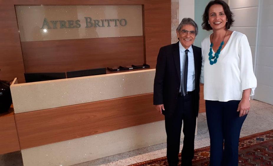 Presidente se reúne com advogados responsáveis pelo processo dos técnicos em Brasília